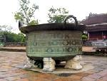 Cần xem lại ai mới là tác giả của những khánh, vạc, chuông, tượng cổ thời tiền Nguyễn
