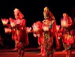 Từ múa hoa đăng cung đình đến vũ khúc Bài bông