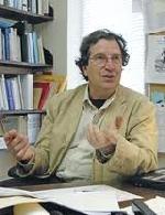 Michel Pierssens: Lý thuyết văn học ở Pháp nhất thiết phải được viết lại…