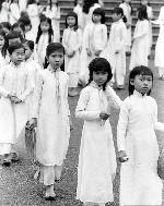 Những người Huế mặc áo dài