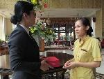 Khách sạn Tân Hoàng Cung tặng quà người trả lại vàng cho du khách
