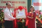 Trường Tiểu Học Trần Quốc Toản đón nhận Huân chương Lao động hạng Nhì.