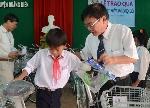 Thừa Thiên Huế: Trao 100 suất quà cho học sinh nghèo vượt khó