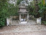 Chuyện kỳ bí quanh hai bức tượng thần xứ Huế