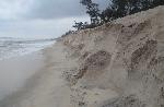 Thấp thỏm sống bên bờ biển xâm thực