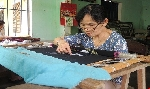 Lay lắt làng thêu Thuận Lộc