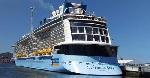 Tàu du lịch Ovation of the Seas cập cảng Chân Mây