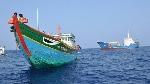"""Phong Điền: Trao quyết định thành lập """"Tổ tàu thuyền tham gia bảo vệ chủ quyền lãnh thổ, an ninh biên giới quốc gia trong tình hình mới"""""""