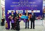 Đón hàng trăm du khách đến Huế đầu tiên năm 2020 bằng đường hàng không