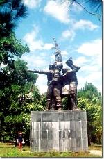 Thơ Sông Hương 08-2003