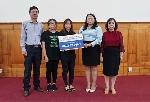 Trao tiền hỗ trợ cho 02 con của liệt sỹ Phạm Văn Hướng