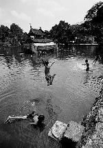 Thơ Sông Hương 09-2004
