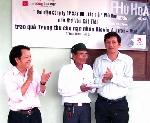 Quỹ Tình Sông Hương trao quà cho nạn nhân DIOXIN tại A Lưới