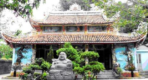Vua nhà Nguyễn với Phật giáo Ngũ Hành Sơn