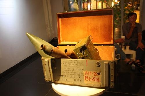 'Sinh năm 1983/ Khâm Thiên': Triển lãm chiến tranh của nghệ sỹ 8X
