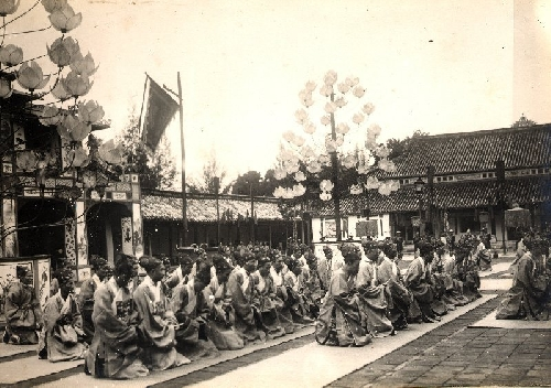 Vị hổ tướng Nguyễn triều gióng tàu ra bể đông