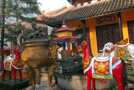Bí ẩn tục thờ ngựa ở Huế