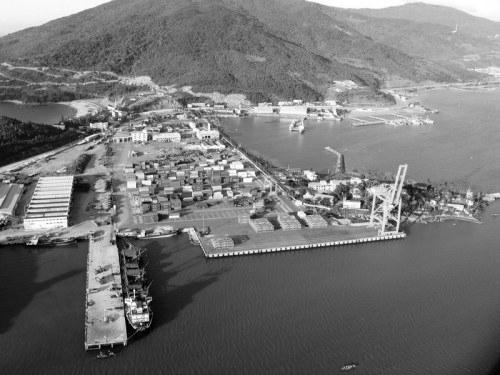 Đoàn du lịch biển quốc tế lần đầu cập cảng Tiên Sa