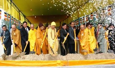 Động thổ xây dựng Trung tâm du lịch Phật giáo Quán Thế Âm