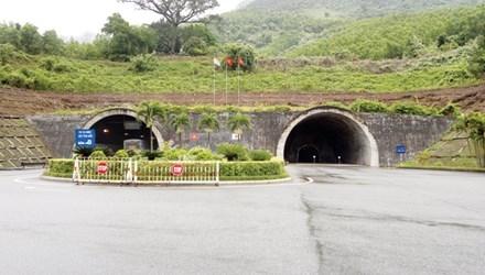 Biến hầm cứu nạn Hải Vân thành hầm chính: Nhiều lo ngại