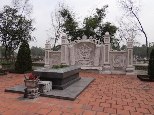 """Người Bàu Thôn vẫn lưu giữ """"mộ vọng"""" cụ Nguyễn Du ở Huế?"""