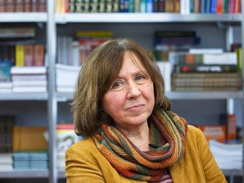 Nobel Văn học 2015 - sức mạnh của sự thật