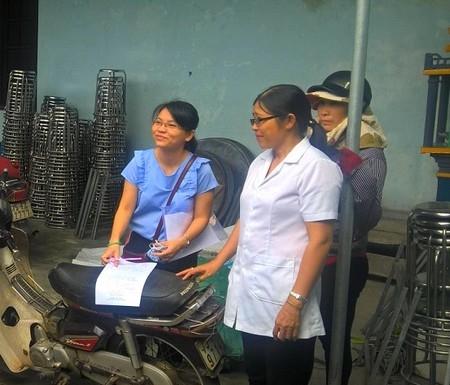 Kiểm tra chất lượng nước ăn uống, sinh hoạt tại 2 xã Phú Diên, Vinh Xuân huyện Phú Vang