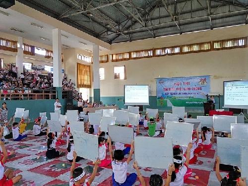 """Hội thi """"Rung Chuông Vàng"""" tìm hiểu luật Giao thông cho học sinh tiểu học và THCS trên địa bàn TP Huế."""