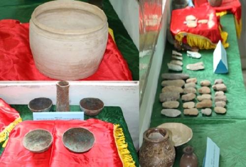 Bảo tàng lịch sử Thừa Thiên Huế tiếp nhận gần 50 hiện vật quý