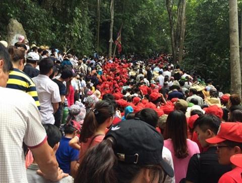 Khuyến cáo với du khách dự Lễ hội Đền Hùng