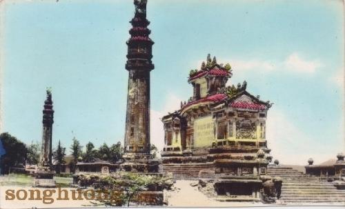 Đài Chiến sĩ trận vong - một kiến trúc nghệ thuật bên bờ sông Hương