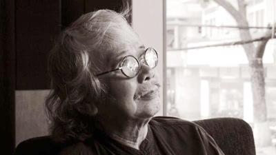 Tuyển tập truyện ngắn Sông Hương 30 năm: QUA SÔNG
