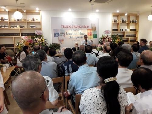 Nhà văn Trung Trung Đỉnh: tiếp tục viết văn khi còn có thể