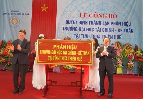 Công bố Quyết định thành lập Phân hiệu Trường Đại học Tài chính – Kế toán tại tỉnh Thừa Thiên Huế