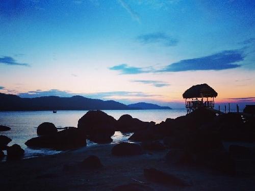 Tìm về không gian yên ả, hoang sơ của bãi biển Lộc Bình