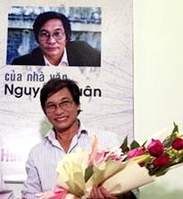 Tuyển tập truyện ngắn Sông Hương 30 năm: CHUYỆN TỪ THỜI CHIẾN