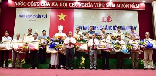 """Lễ Truy tặng danh hiệu """"Bà mẹ Việt Nam anh hùng"""" và trao tặng """"Huân chương Độc lập"""""""