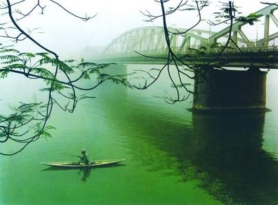Những dòng sông biệt xứ
