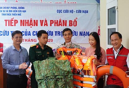 Thừa Thiên Huế: Tiếp nhận và phân bổ các nguồn hàng hỗ trợ để khắc phục hậu quả do lũ lụt.