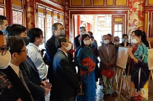 Khai mạc trưng bày chuyên đề Hoàng đế Minh Mạng