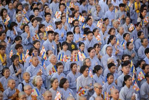 Là Phật tử, trong mùa Phật đản, chúng ta có thể làm gì?