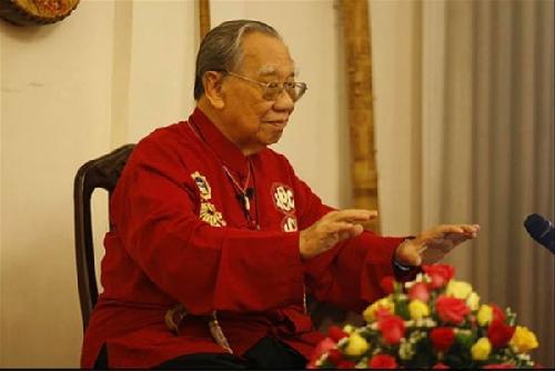 Đại thụ Trần Văn Khê