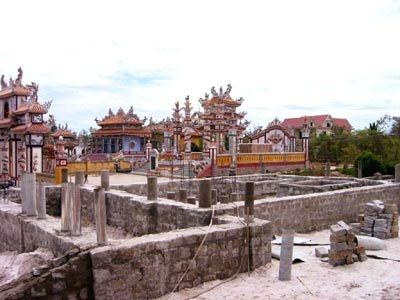 Lăng mộ - một loại hình di tích xứ Huế